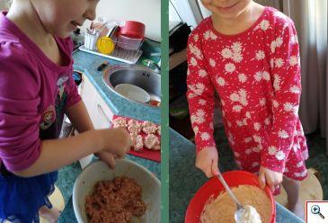viplalad kokkamas koos emaga